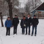 Gemeinsam mit dem Dorfrat (links im Bild) unterwegs