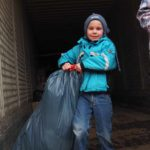 Kleine Helfer die unbedingt anpacken wollen